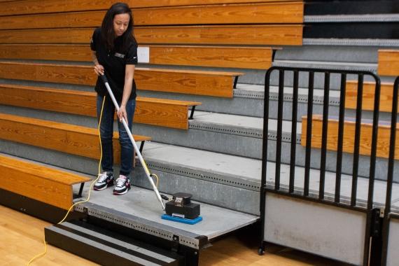 Nano Edge Powerful Compact Floor Scrubber Tomcat Uk
